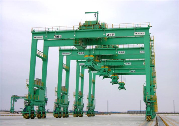 Sell a special gantry crane